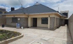 House for sale in Kitengela with DSQ